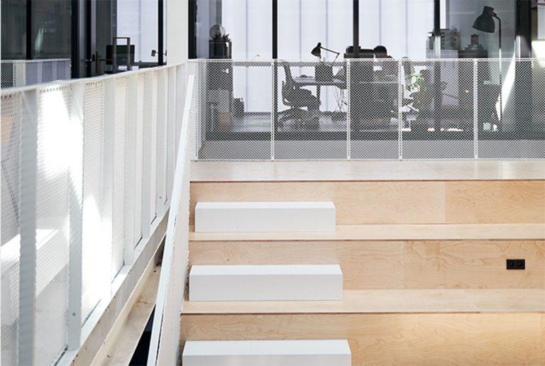 trakk straircase